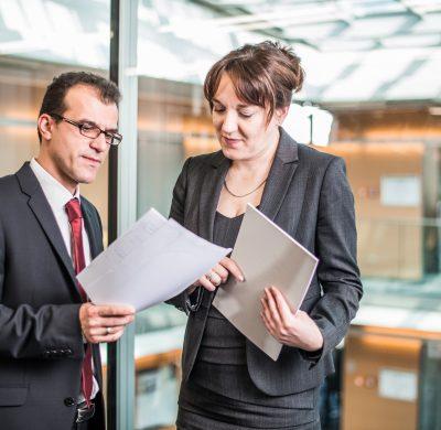 Gespräch-Partner-Aslanidis-Rechtsanwältin-Poch